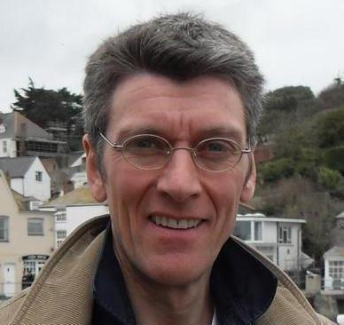 Dr Elwyn Davies
